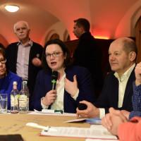 Nella auf der Regionalkonferenz neben Andrea Nahles und Olaf Scholz